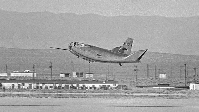 Самые необычные самолёты в истории авиации (28 фото)