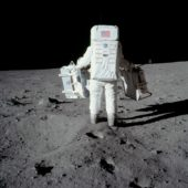 Buzz_Aldrin_carries_the_EASEP