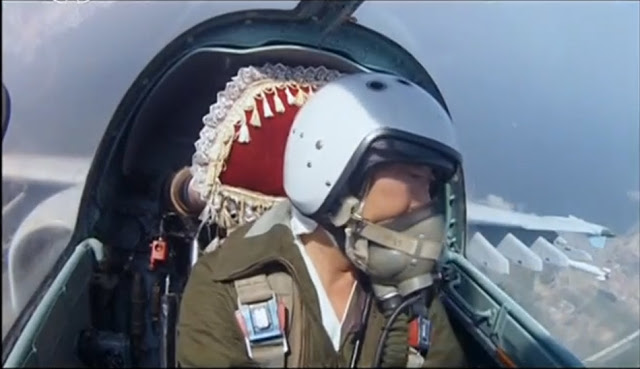 North-Korean-air-force-pilot-take-selfies-for-first-time-1