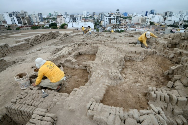 afp-four-pre-inca-tombs-found-in-perus-lima