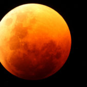 total-lunar-eclipse-june-2011-namibia-reserve-tucker-2